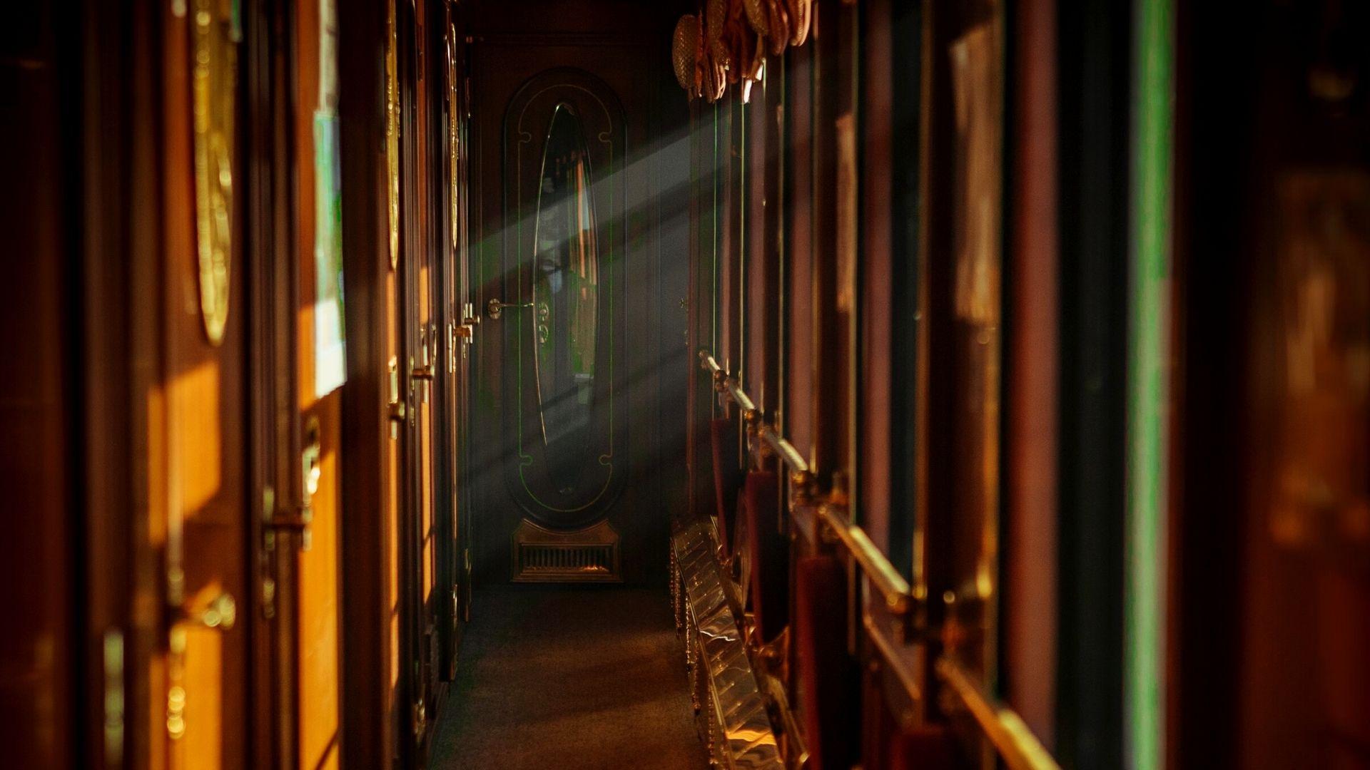 Corridor on the Tsar's Gold