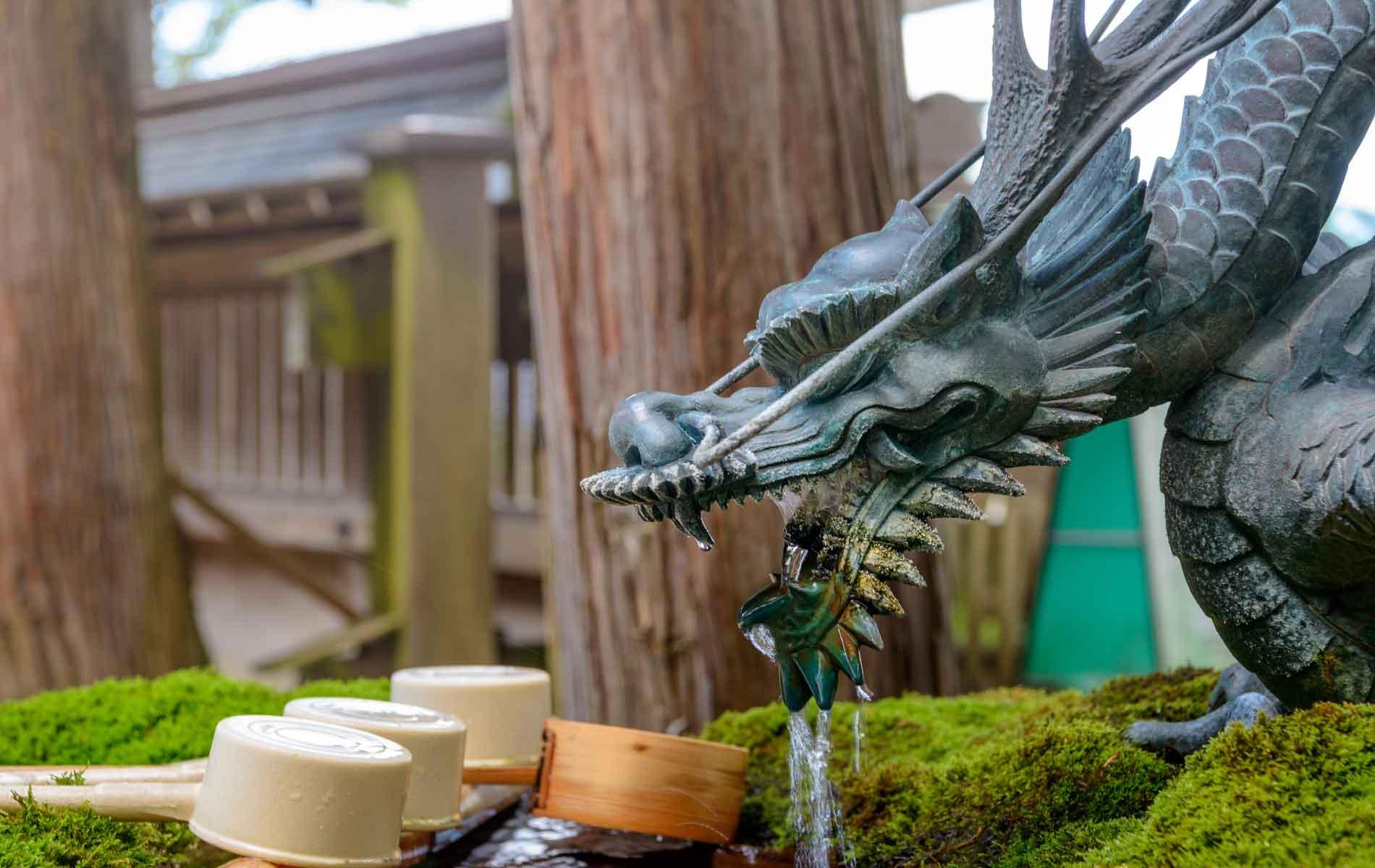 Scenery of the Suwa taisha shrine in Nagano, Japan
