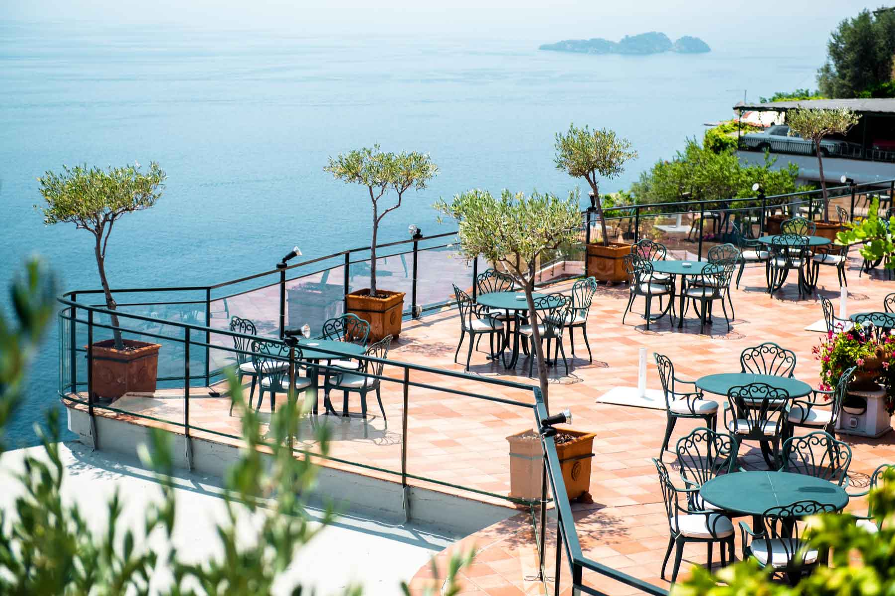 A restaurant overlooking the Tyrrhenian Sea