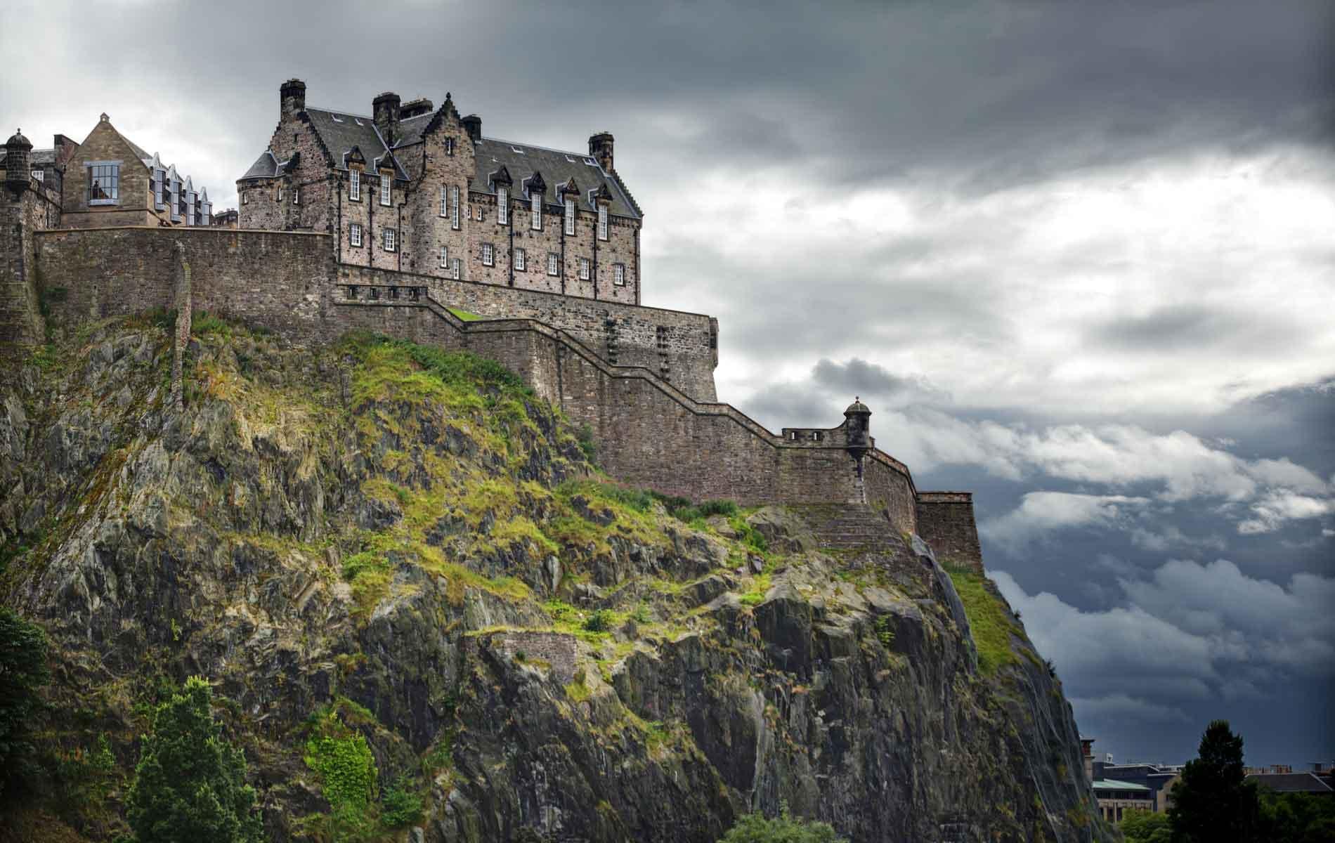 Fortress of Fire: Edinburgh Castle's Explosive History