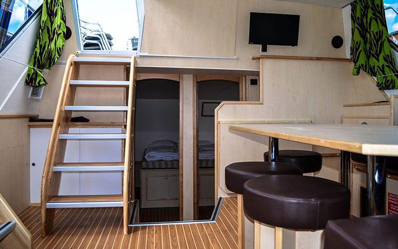 houseboat_inside