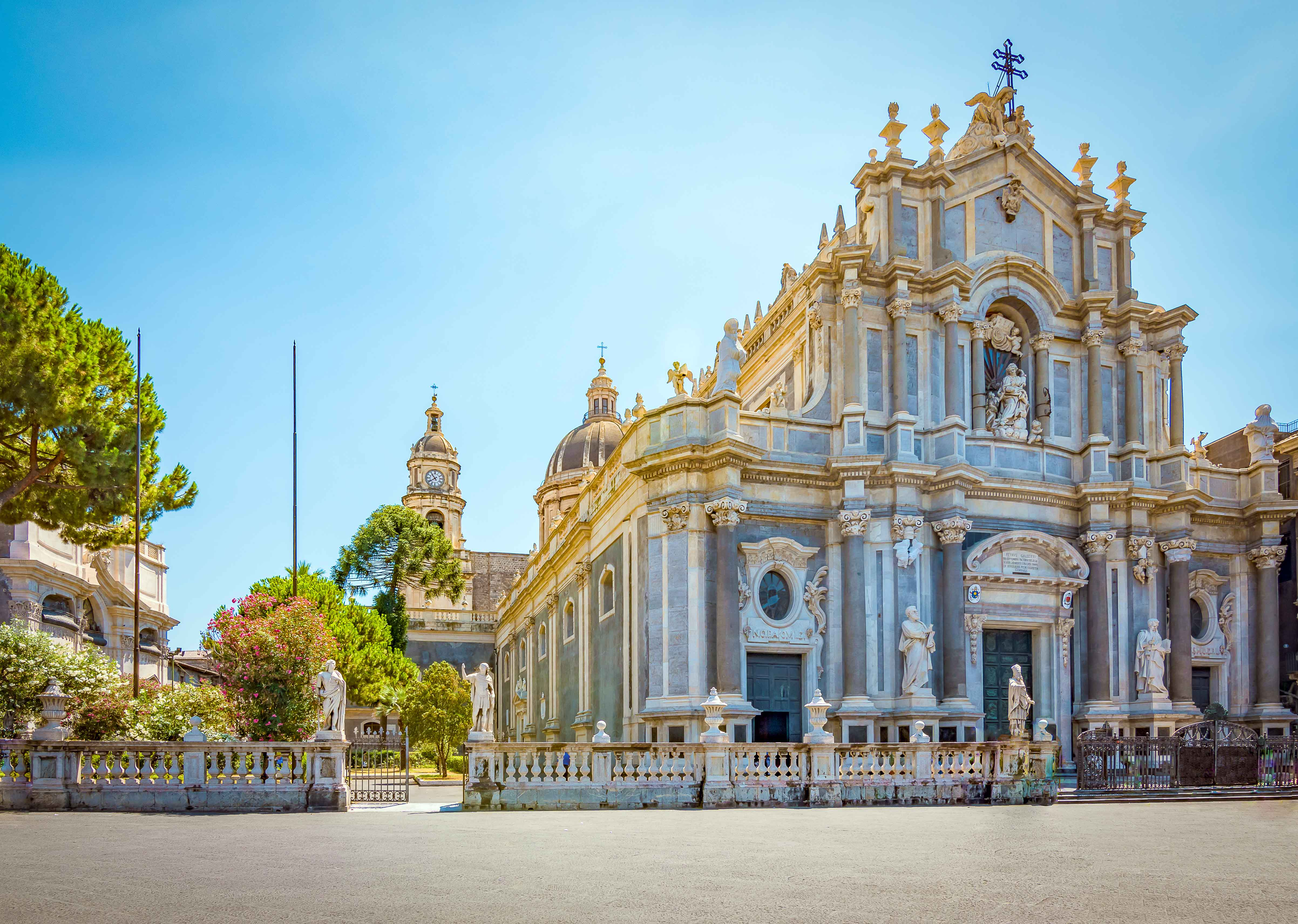 Canva---Cathedral-in-Catania,-Sicily