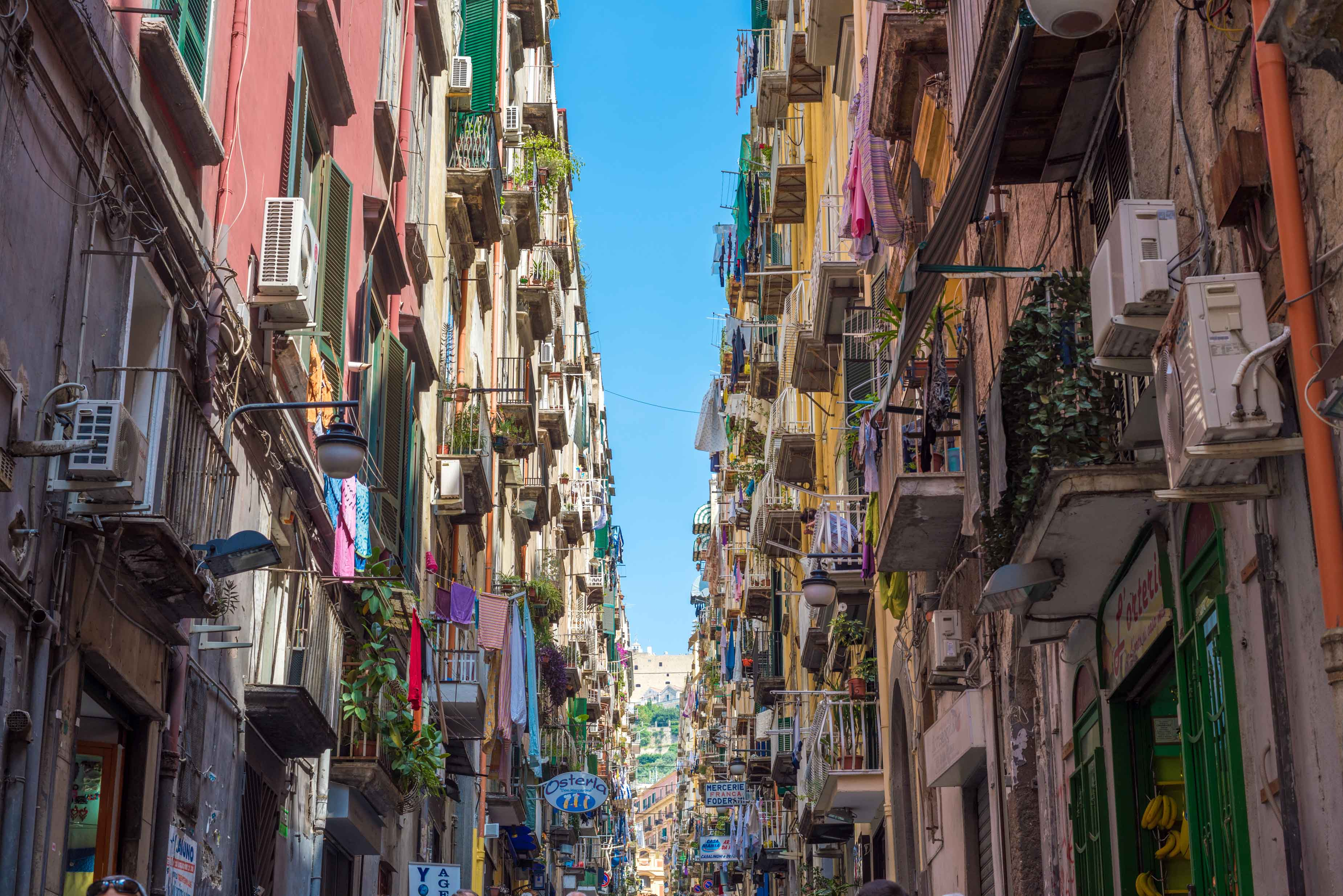 Canva---Colorful-streets-of-Naples,-Italy