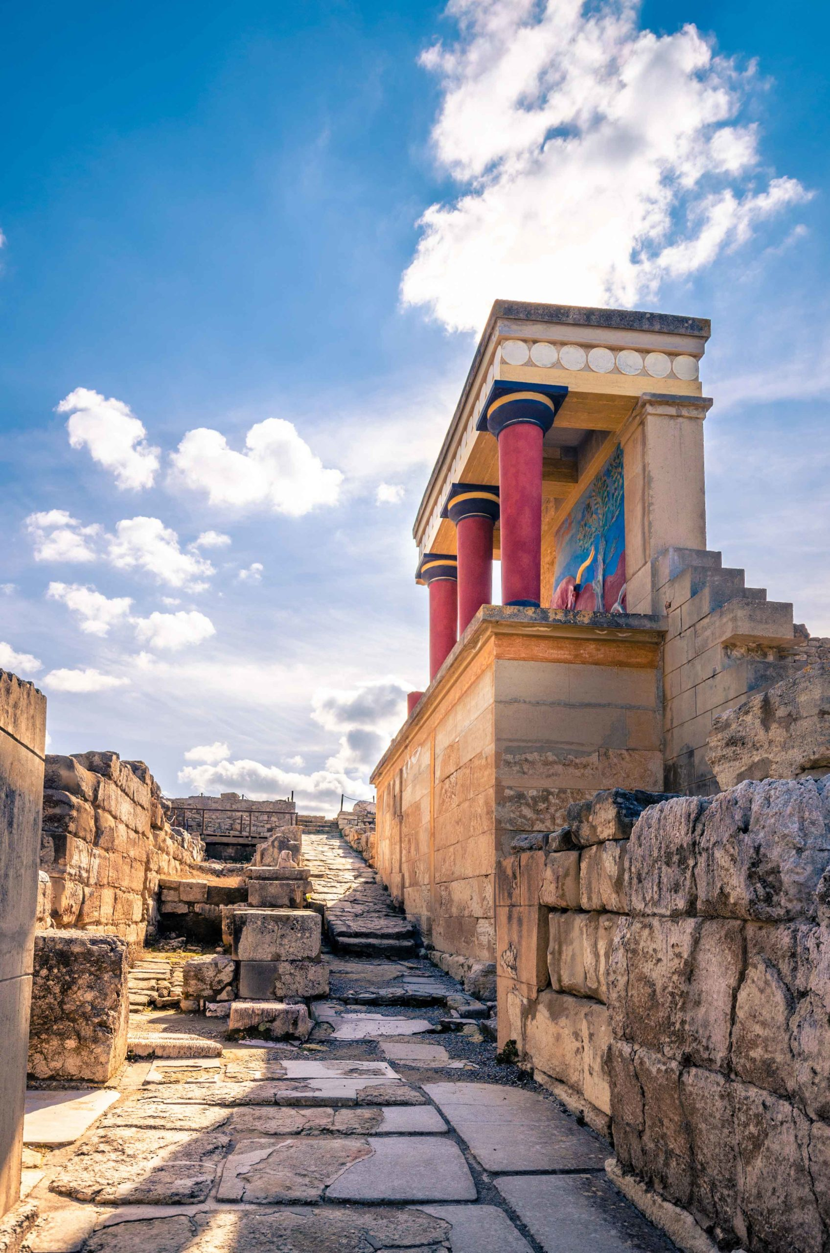 Canva---Knossos-palace-ruins-at-Crete,-Greece