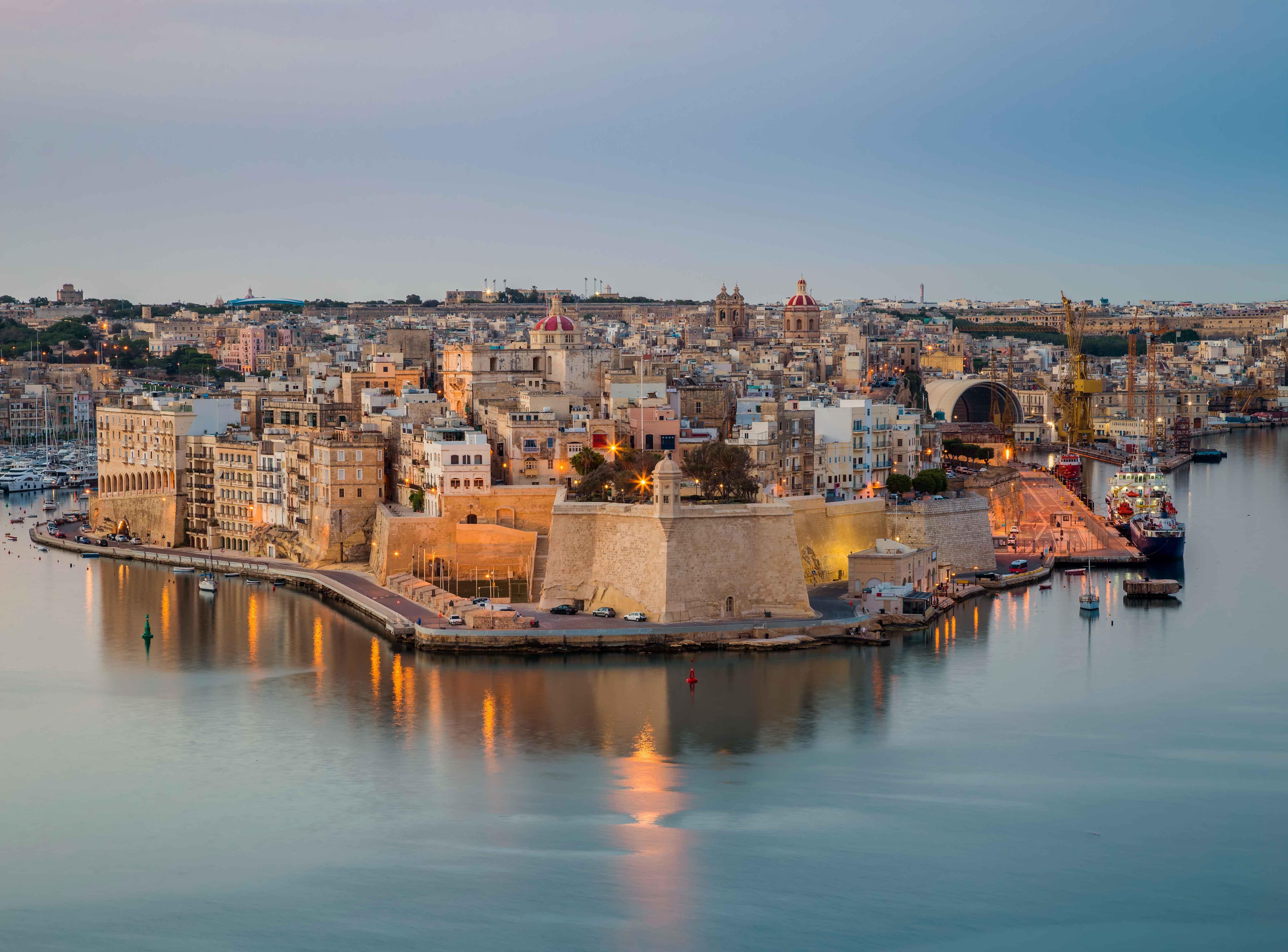 Canva---Malta---The-island-of-Senglea-and-Gardjola-Gardens