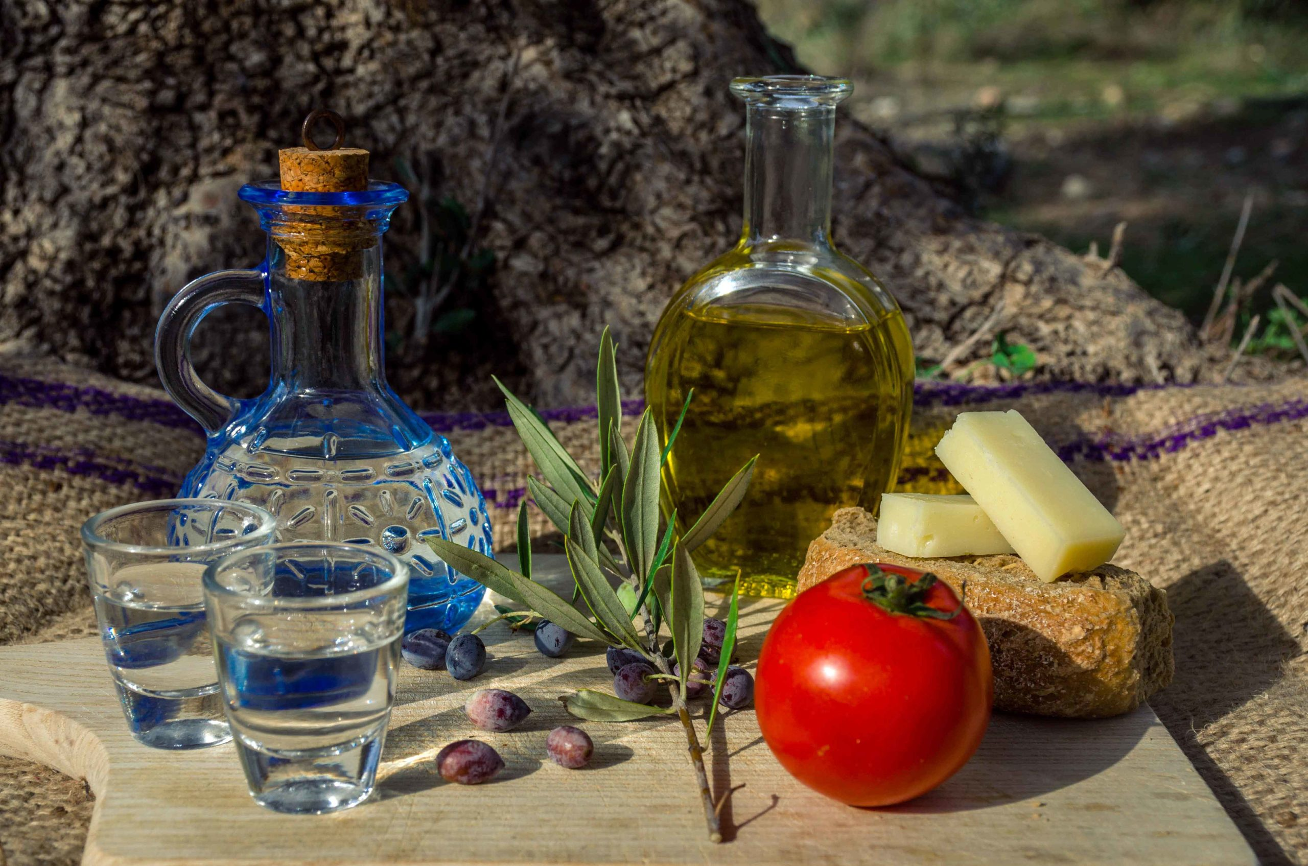 Canva---Traditional-snacks-from-Cretan-gastronomy